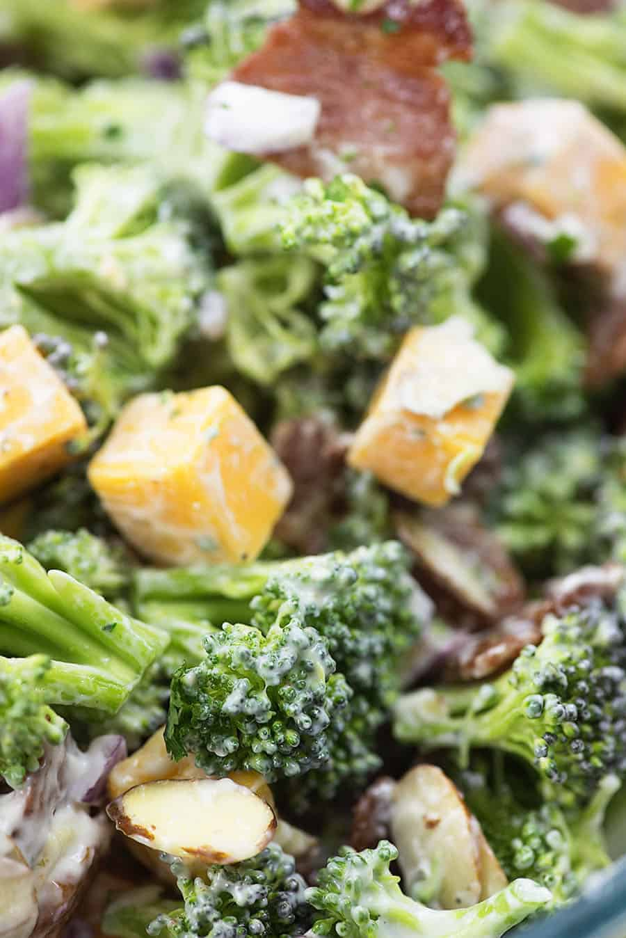 recipe for broccoli salad in bowl