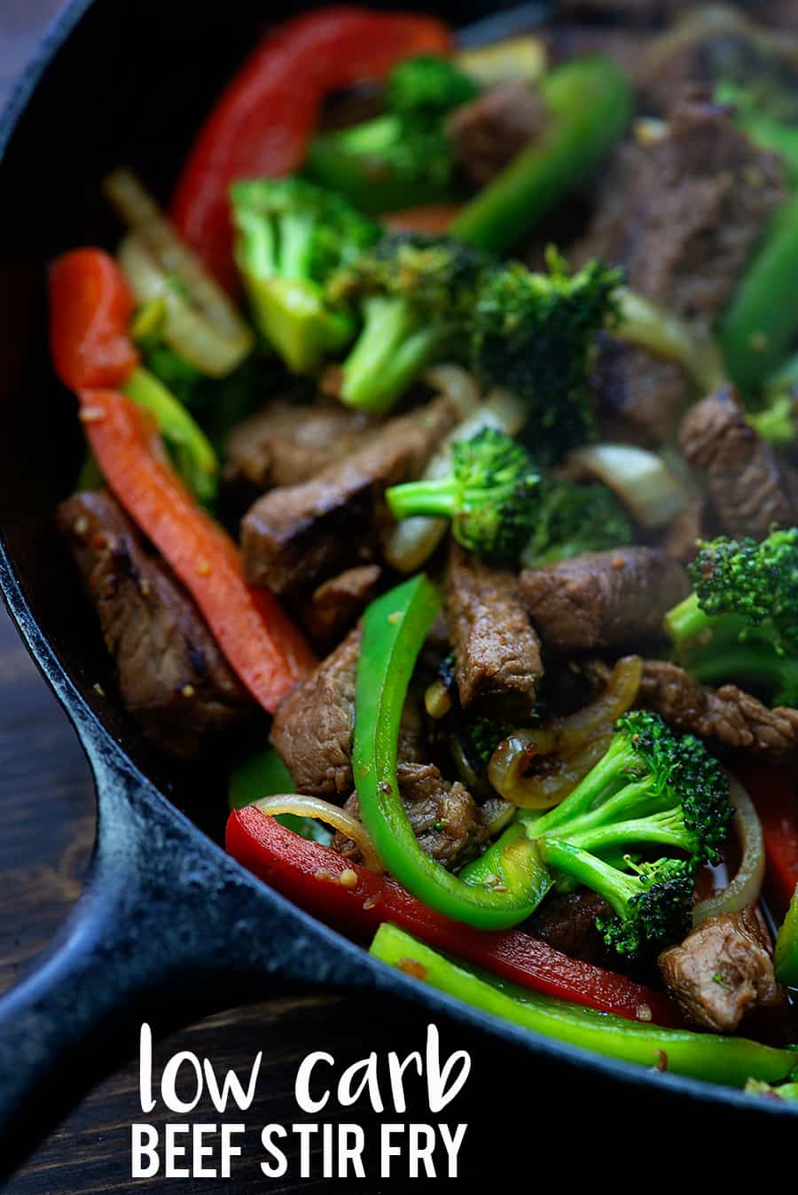Low carb steak stir fry with my homemade low carb stir fry sauce! Ready in 30 minutes and SO GOOD! #lowcarb #keto #stirfry #recipes