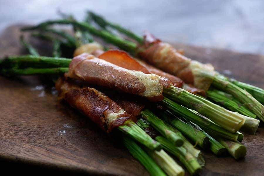 Prosciutto Wrapped Asparagus - there is cream cheese in there keeping things even more delicious, too! #easy #sidedish #lowcarb #keto
