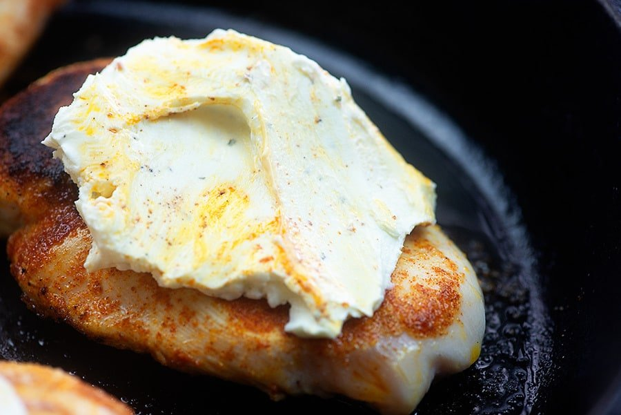 cream cheese smothered chicken in skillet