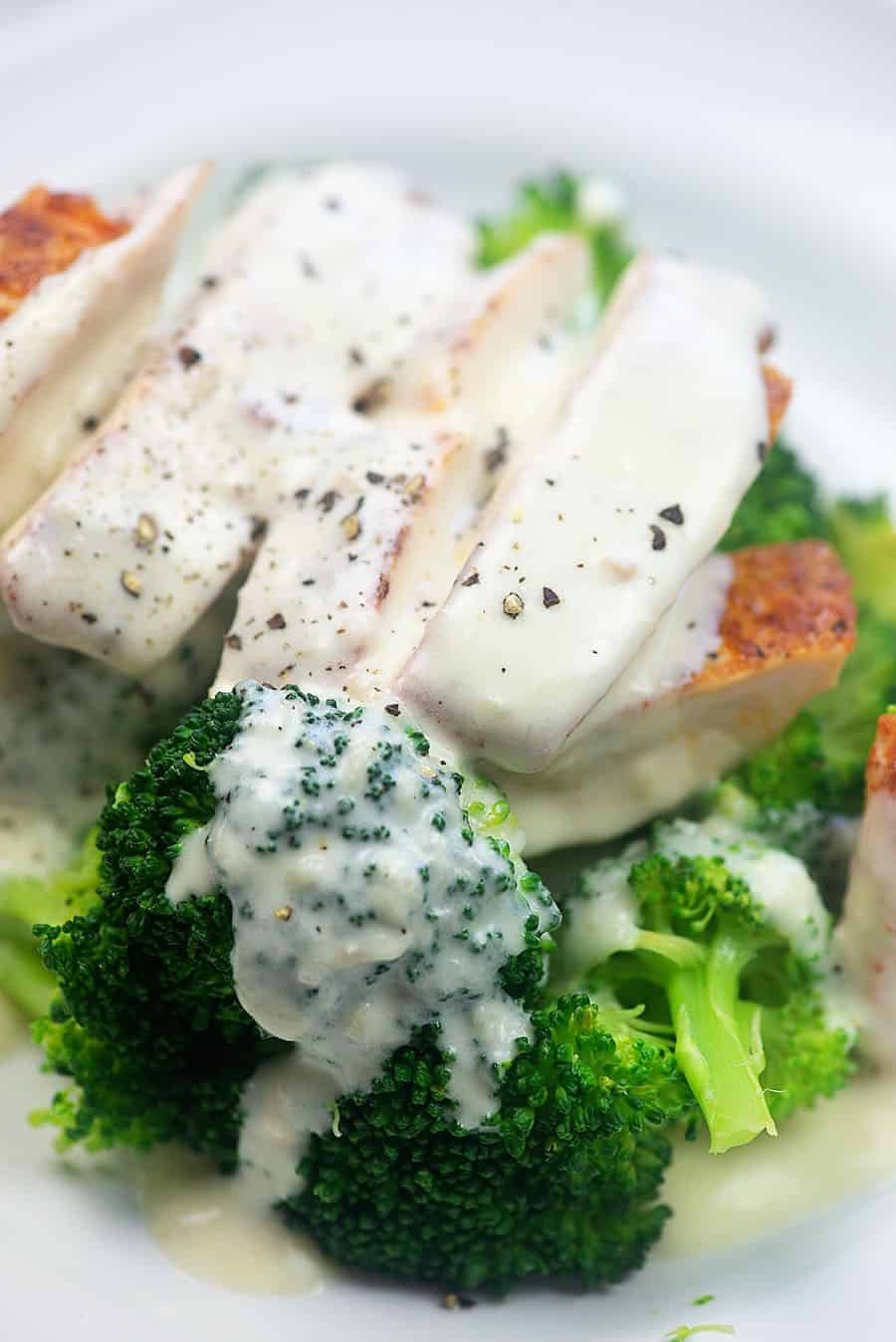 Low carb Alfredo sauce over chicken and broccoli! Bet you don't even miss the pasta! #lowcarb #keto #alfredo
