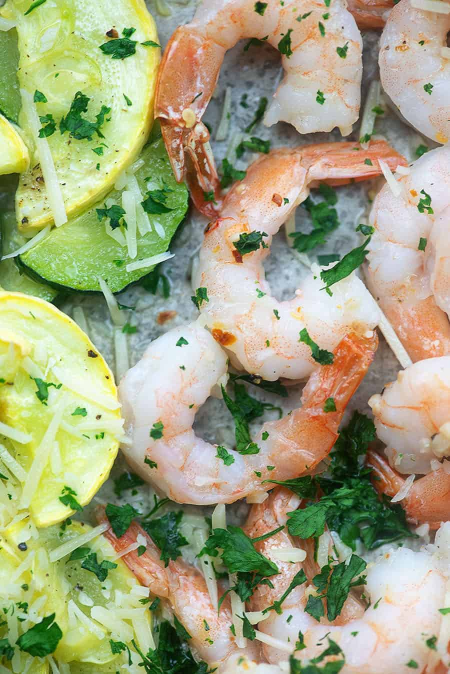 Keto shrimp scampi baked on a sheet pan! This low carb dinner is ready in less than 30 minutes! #lchf #keto #shrimp