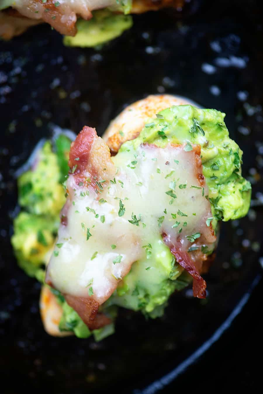 Guacamole Chicken Melt - seared chicken topped with guac, bacon, and pepper jack! #lowcarb #keto #chicken #recipes