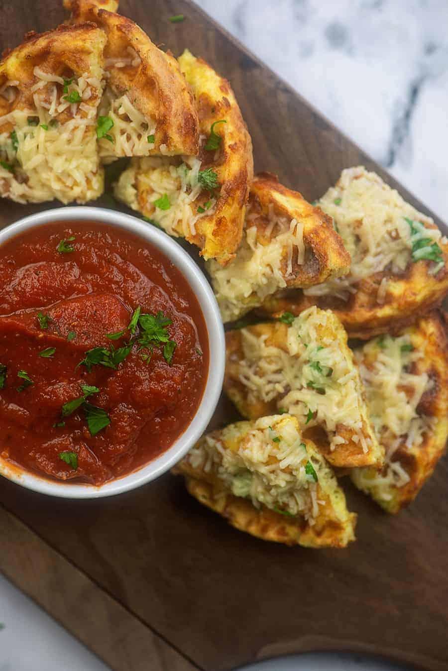 low carb garlic bread with marinara