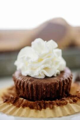 mini keto chocolate cheesecake on muffin paper.
