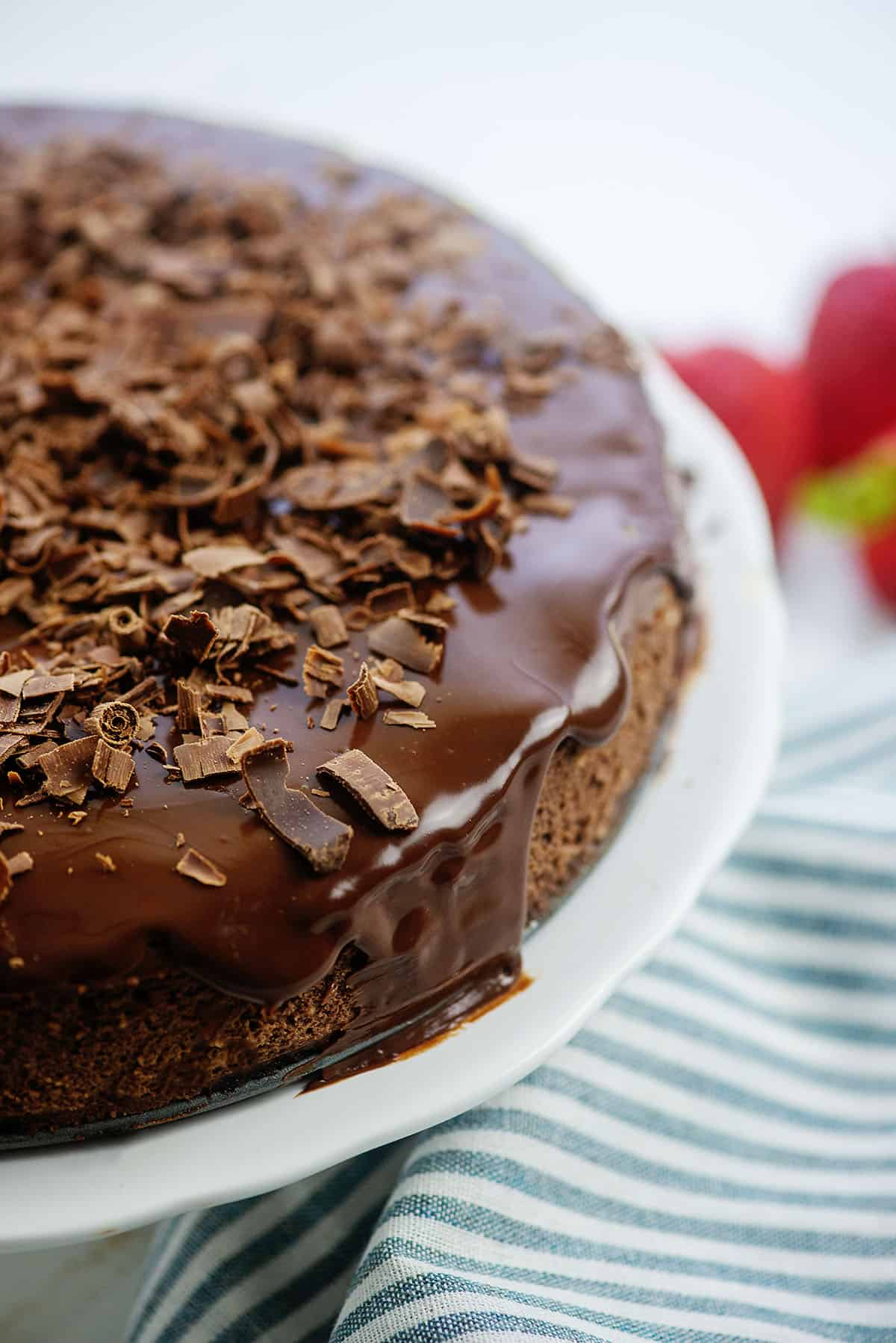 chocolate cheesecake topped with chocolate shavings.